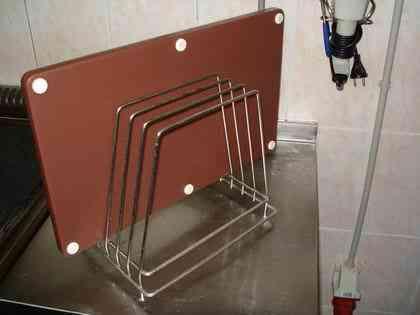 Подставка для пяти крупных, производственных досок. Бытовые варианты компактнее