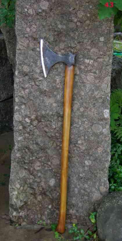 Топоры и ножи Михаила Артемьева (фотообзор)