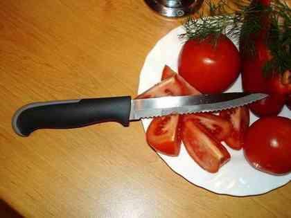 Для этого режика – ничего святого! Хоть хлеб, хоть овощи, лишь бы резать!
