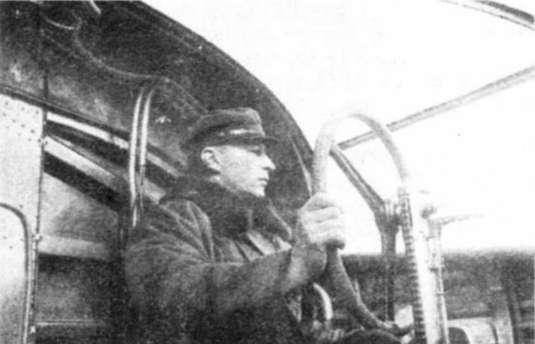 Знаменитый летчик М.М. Громов за штурвалом АНТ-20