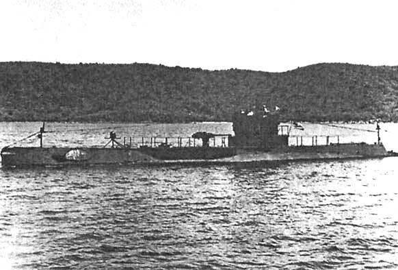 Подводная лодка R-12