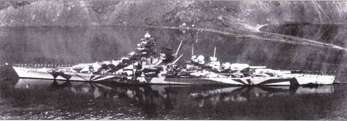 Линкор Tirpitz на якоре в Каафьерде, 30 марша 1944 года.
