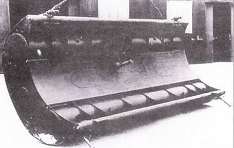 Подрывные заряды (правый и левый) сверхмалой британской подводной лодки «тип X».