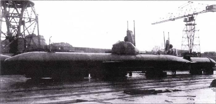 Подводные лодки типа Кайрю на верфи.