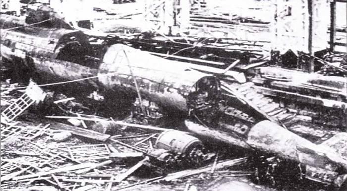 Японская сверхмалая лодка типа Каирю в разрушенном доке.