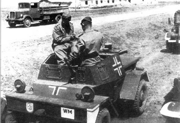 Трофейный британский бронеавтомобиль Daimler Dingo Mk I на службе в Вермахте. Восточный фронт, 1942 год