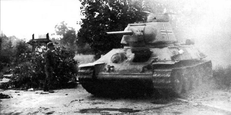Немецкие командирские башенки устанавливались и на некоторых трофейных Т-34 более поздних модификаций — с так называемой улучшенной башней