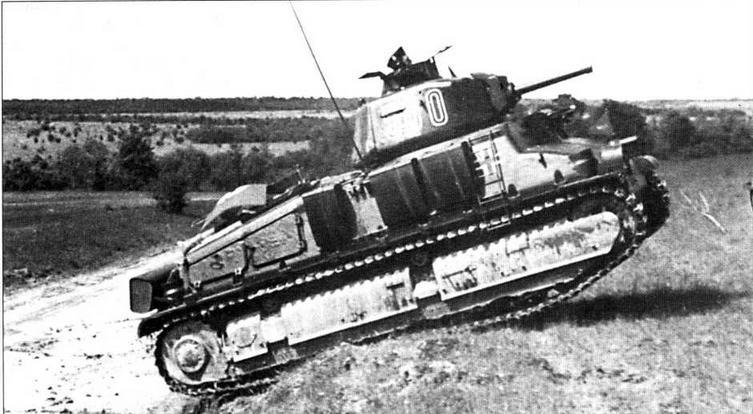 Танк 35S(f) из состава 100-г о танкового полка в Нормандии. 1944 год