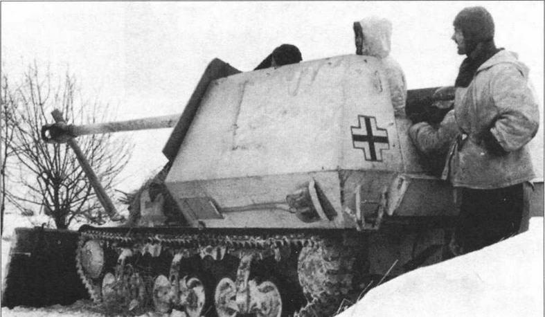 75-мм самоходная противотанковая пушка Marder I на огневой позиции. Восточный фронт, 1943 год