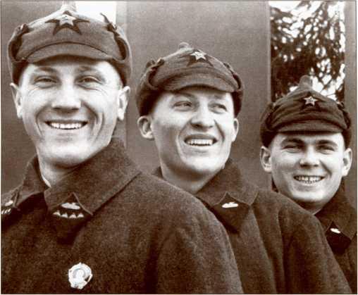 Советский танковый экипаж, 1930-е годы.