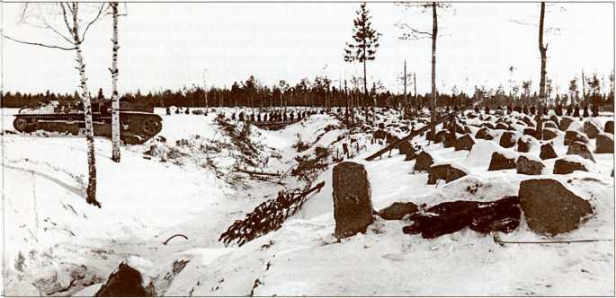 Панорама поля боя у ручья Ахвеноя. Видны два подбитых Т-28 из взвода Груздева.