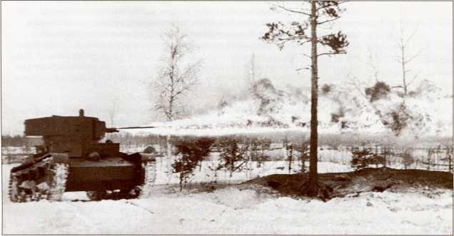ОТ-130 производит огнеметание по финским траншеям (АС КМ).