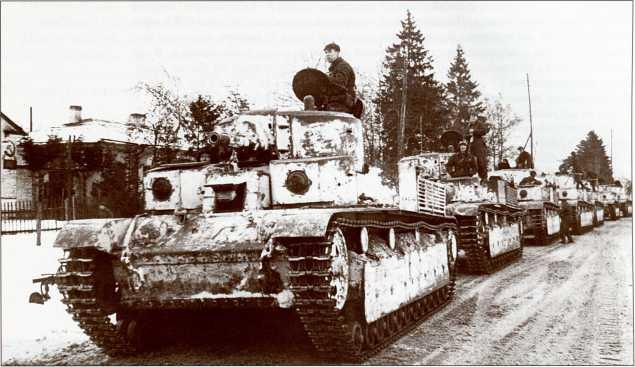 Т-28 перед началом наступления (АСКМ).