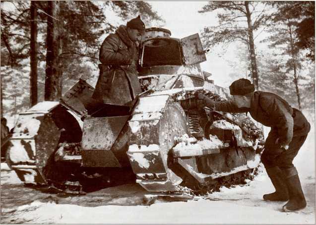 Захваченные на станции Кямяря финские танки «Рено ФТ-17» (АСКМ).