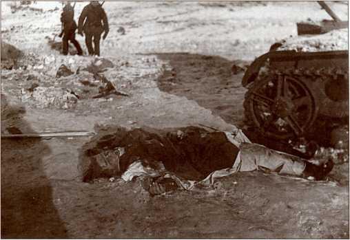 Убитый финн у Т-26.