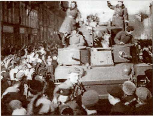 Возвращение танкистов с победой в Ленинград.