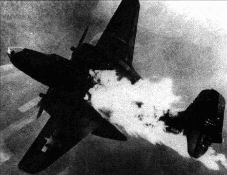 A-20J получил попадание в бензобак, в результате чего начался пожар. Поскольку ведущие строй A-20J легко отличались по остекленному носу, немецкие зенитчики концентрировали огонь именно по этим машинам. Вероятнее всего, экипаж сгорел вместе с самолетом.