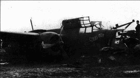 A-20J «Miss Sue» совершил вынужденную посадку в Англии. Бомбардир скорее всего погиб, так как носовая часть фюзеляжа полностью разрушена.