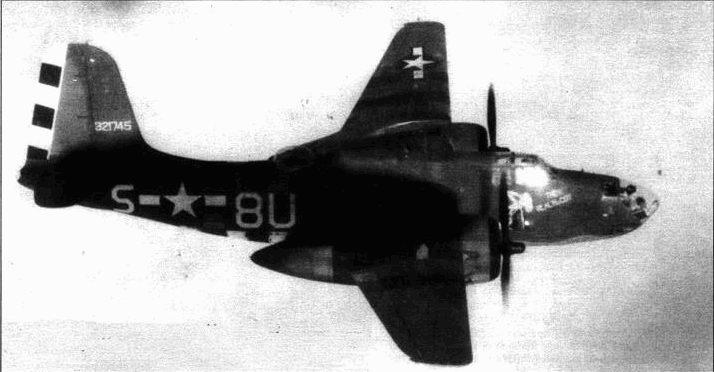 A-20J-I5 «The real McCoy» ведет отряд A-20G, сентябрь 1944 года. На капотах двигателя светло-синяя полоса, отличавшая машины 646-й эскадрильи 410-й группы.