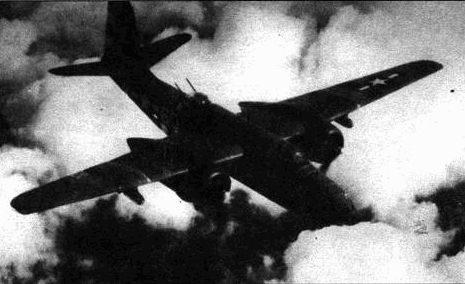A-20G из 647-й эскадрильи 410-й группы во время налета на цель, расположенную на территории Германии, конец лета 1944 года. 9-я воздушная армия успешно поддерживаю действия сухопутных войск, решив исход боев в Нормандии.