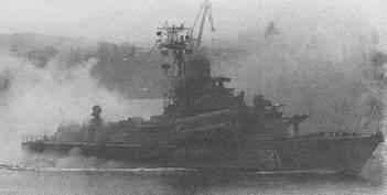 «Зарница» во время празднования Дня ВМФ в Севастополе. Хорошо видна ПУ ЗРК «Оса-М»