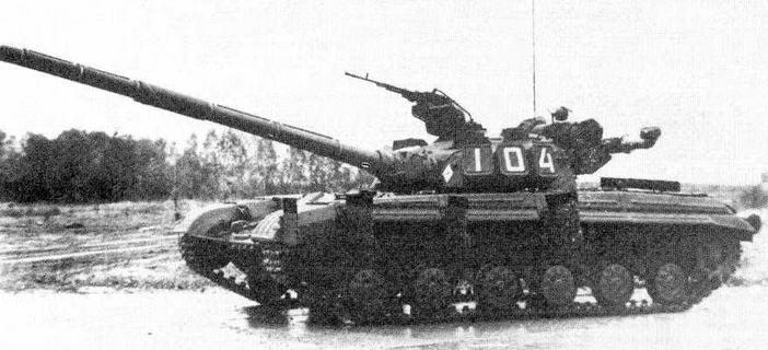 """Опытный танк Т-64А с КУБ """"Кобра""""."""