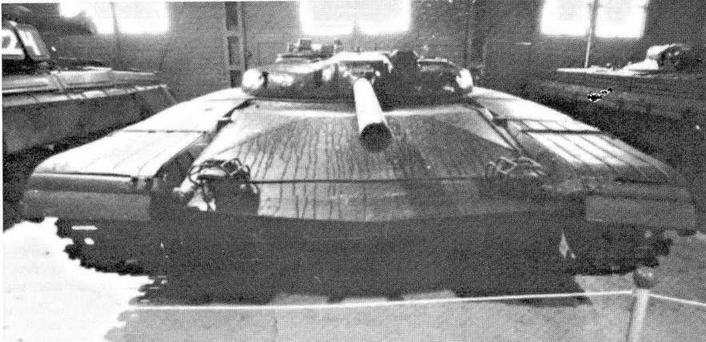 """Опытный ракетные танк """"объект 775"""" (НИИБТ, Кубинка)"""
