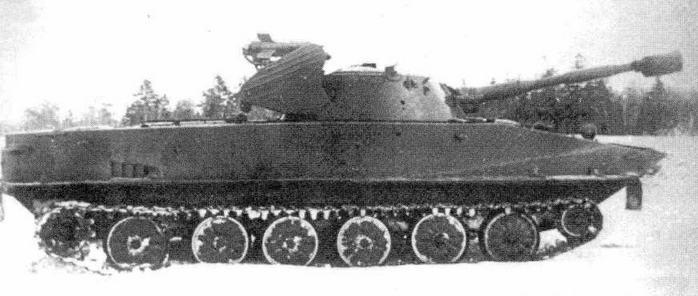 """Танк ПТ-76 с ракетным комплексом """"Малютка"""" на испытаниях"""