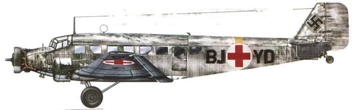 Временная белая окраска нанесена поверх летнего камуфляжа санитарного Ju-52/3m g6e (BJ+ YD). Зимой 1942–1943г.г. этот самолет перевозил раненых на Восточном фронте.