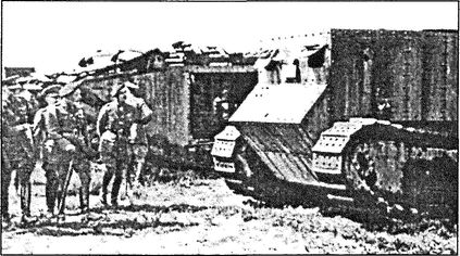 Английский опытный танк «Маленький Вилли» — первый в мире танк, построенный в металле.