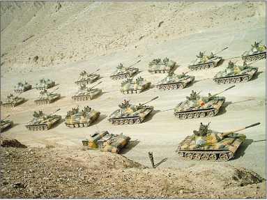 Танки Туре 59-I на учениях в западной части КНР, 2010 год.