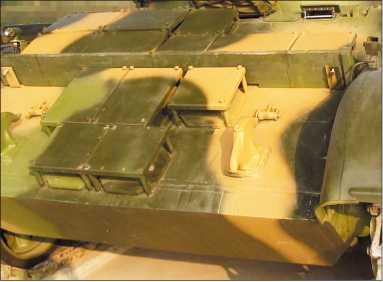 Type 59D. Модули динамической защиты FY на лобовом листе корпуса.