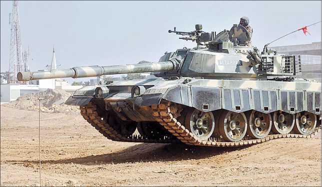 Более поздняя модификация танка AI Zarrar на выставке IDEAS-2008 в Карачи.