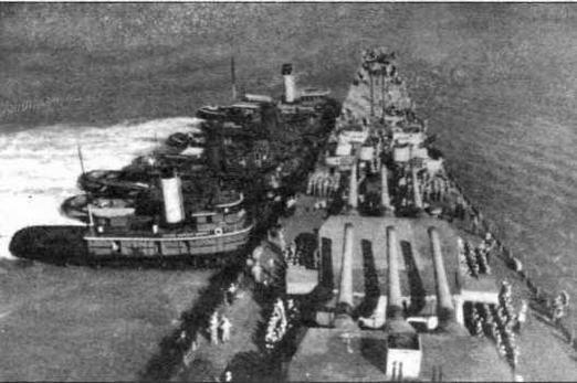 """Вывод линкора """"Миссури"""" на рейд после ремонта (фото из архива К.Золотова)."""