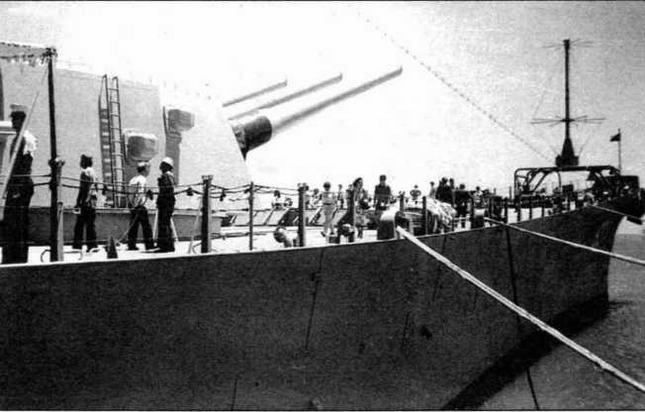 "Линкор ""Миссури"" после модернизации (фото из архива Ю.М.Шедякова)."