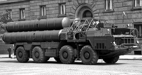 Пусковые установки зенитной ракетной системы С-300 (с 1982 г.)