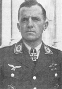 Командир I./JG-52 майор Гельмут Беннеман, будучи гауптманом обеспечил группе 600-ю и 800-ю победы в войне. За 50 сбитых самолетов он был удостоен Рыцарского креста.