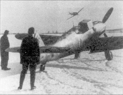 Полярный эксперт оберлейтенант Вальтер Шук из 7./JG-5 возвращается из боевого вылета, аэродром Петсамо.