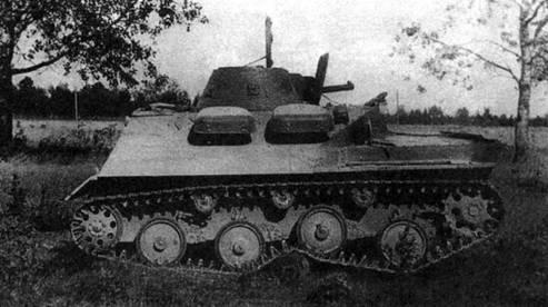 Фотографии легкого опытного танка 010 (образец N° 7/4 с торсионной подвеской) во время испытаний. НИБТ полигон, июль 1939 года.