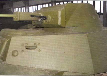 Военно-исторический музей бронетанкового вооружения и техники (п. Кубинка Московской области) имеет в составе своей экспозиции легкий танк Т-30, снимки которого представлены в настоящем издании