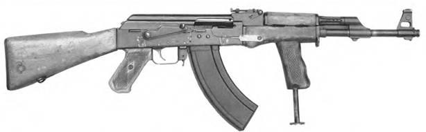 7,62-мм облегченный автомат Калашникова АК-47 с дополнительным упором-рукояткой на цевье. Опытный образец.