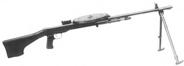 7,62-мм автомат. Опытный образец 1944г. Конструкторы: II.K. Иванов, Е.К. Александрович и В.Г. Селезнев.