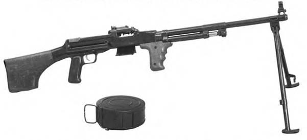 7,62-мм ручной пулемет РД-44 на сошке. Опытный образец. Конструкторы: П.Е. Иванов. В.П. Иванов. Е.К. Александрович. В.В.Деггярев.