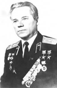 М.Т. Калашников — полковник в отставке. 1977г.