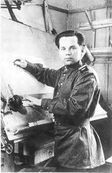 Ст. сержант М.Т. Калашников в период работы на полигоне НИПСВО (1944–1946).