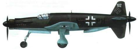 Знаменитый Do 335А-02 в камуфляже RLM 81/82/65. Бортовой код сделан литерами меньшего размера.