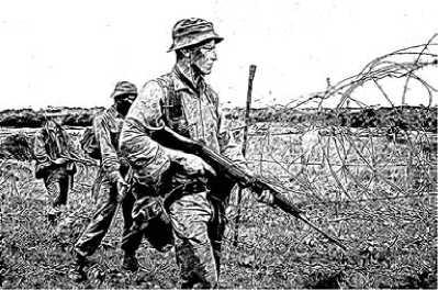 Австралийские солдаты с винтовками FN FAL.