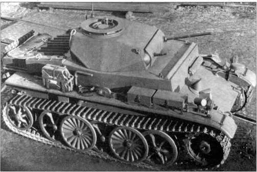 Общие виды легкого аэромобильного танка Pz.Kpfw.I Ausf.C (VK 601).