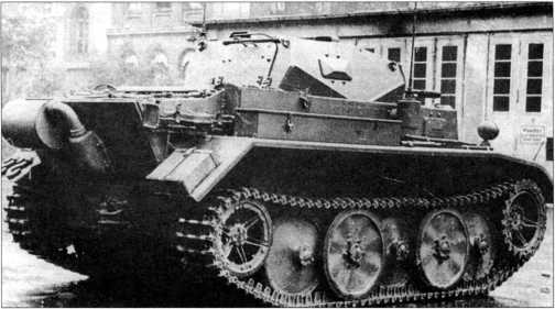 Фотографии прототипа легкого разведывательного танка (VK 1303) Pz.Kpfw.II Ausf.L «Лухс». Снимки 1942 года.