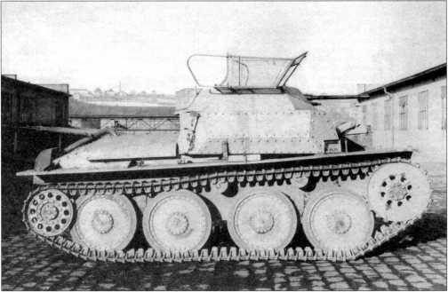 Разведывательный танк Sd.Kfz.140/1, отснятый во дворе фирмы ВММ. 1944 год.